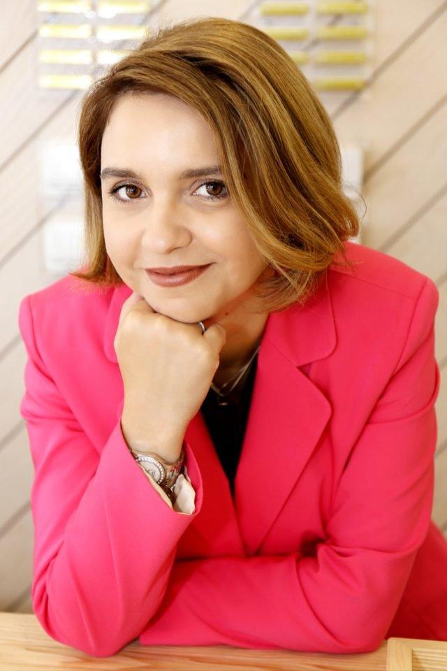 Alina  Vicovan