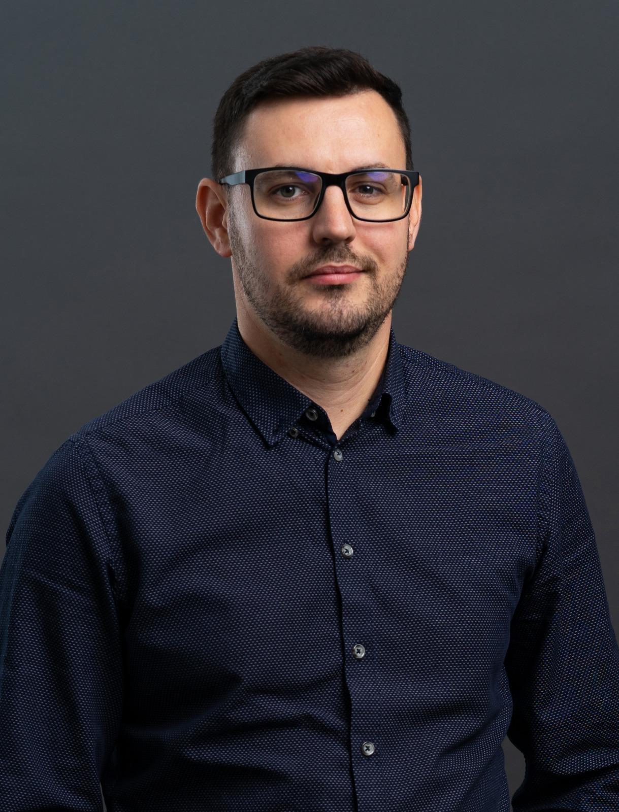 Mihai   Oprea
